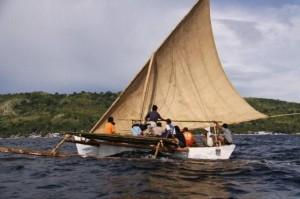 インドネシア報告(18) 写真レポート・進水式を無事に終了 2009/2/3