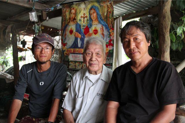 Sabtang島のChavayan村に住む104歳の老人。豊かな海産資源と畑の野菜、ココナツが豊富で、水も山から引く。長寿の人が多いという。サンキチという日本人がこの島で住んでいたことがあり、親しくしていたという。