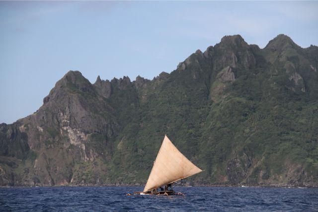 Sabtang島を出てBatan島に向かう。これらの島々は台湾とルソン島の真ん中で、太平洋戦争中は日本兵が1万人以上派遣されていた。文化や言葉はフィリピンより、台湾の蘭嶼島に近いという。
