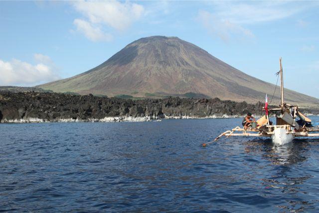 4番目の島、Babuyan島にある富士山に似た火山。